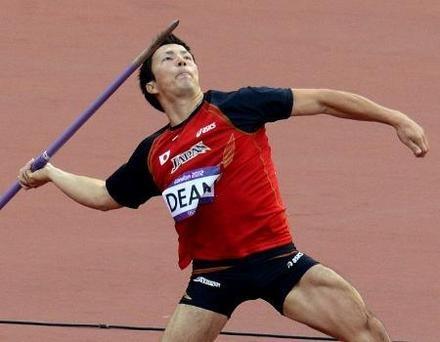 男子やり投げ決勝 79メートル95をマークしたディーン元気の2投目=五輪スタジアム(共同)