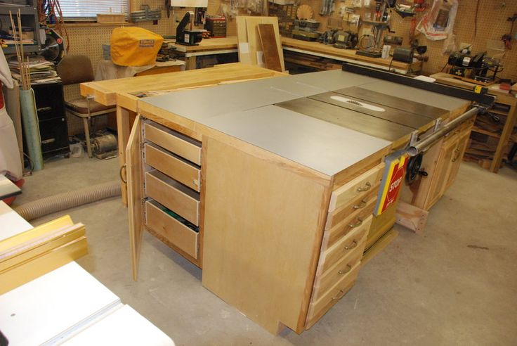 17 best images about zach 39 s garage on pinterest for Table saw cabinet plans free