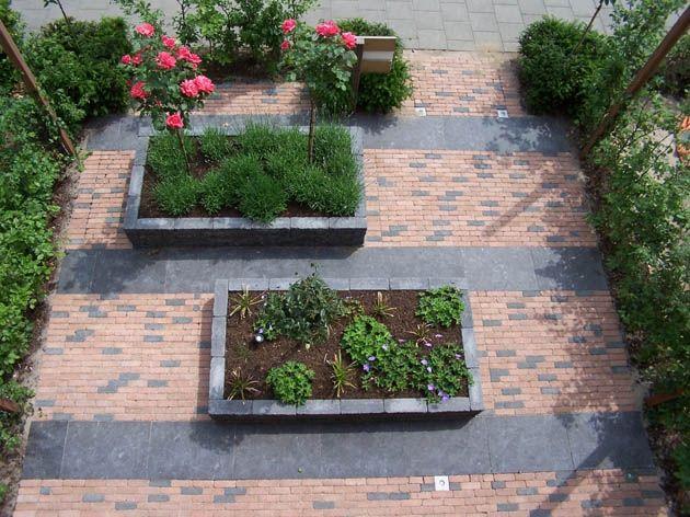 Kleine tuinen voorbeelden google zoeken voor den hof for Tuinontwerpen kleine tuin foto s