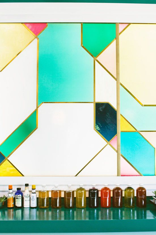 This backdrop is just stunning - I'm not sure if it's glass or art? /BR | D E S I G N L O V E F E S T