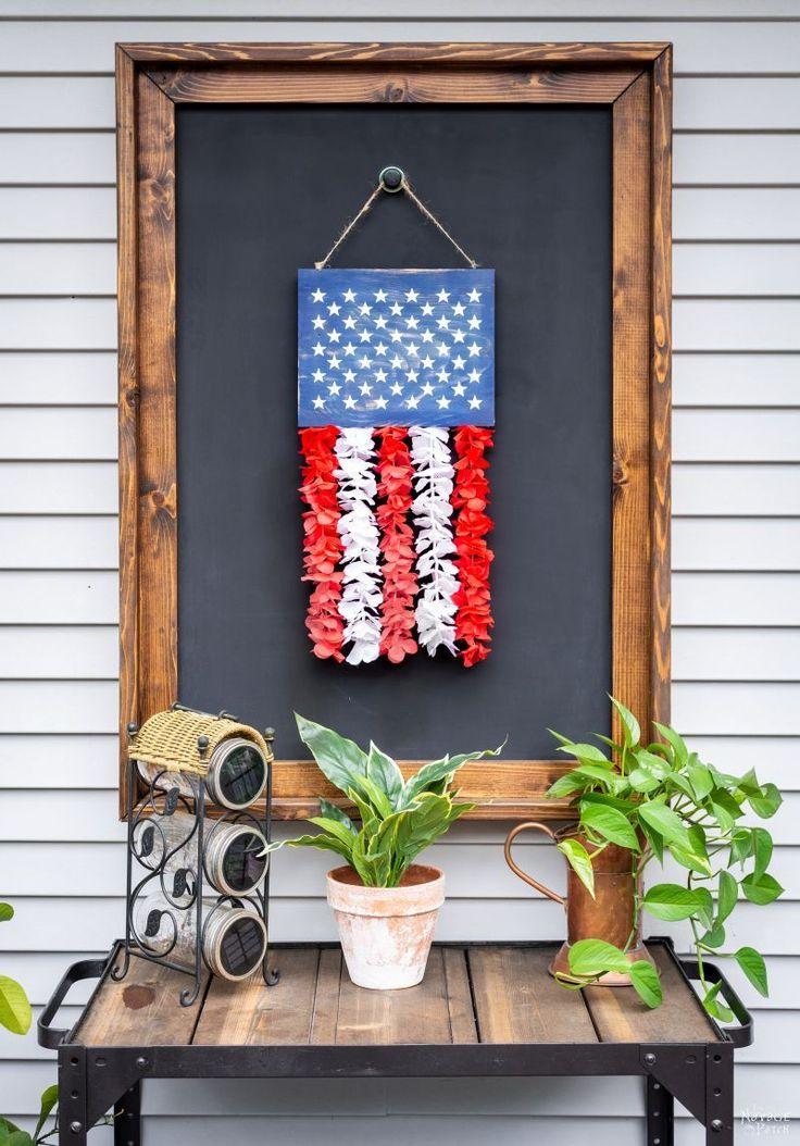 DIY Patriotic Door Hanger (a Cheap & Easy Craft