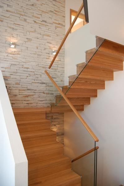 """Treppengeländer Holz Hamburg ~ Über 1 000 Ideen zu """"Gewendelte Treppe auf Pinterest  Bolzentreppe"""