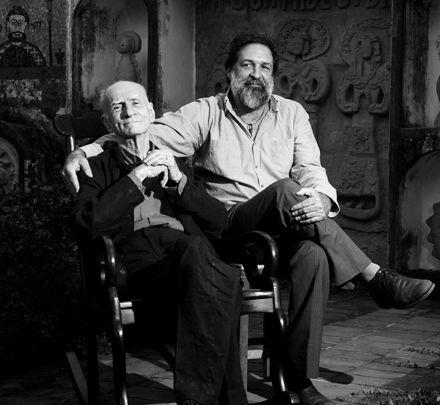 Ariano Suassuna e o filho Dantas são homenageados pelo Tacaruna por conta do Dia dos Pais (Foto: João Rogério Filho).