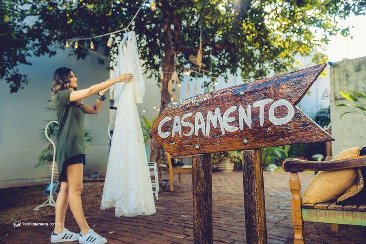 O Mini Wedding é um estilo de casamento bem comum nos EUA e Europa. São casamentos mais íntimos, para até 100 convidados e com detalhes encantadores. Daqueles casamentos que costumamos ver em filmes. E que agora está começando a ganhar espaço no Brasil!    E foi assim o casamento da Marina e...