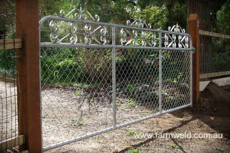 'Kensington' in silver/galv chain mesh residential driveway gate. Elsternwick, Melbourne, Victoria
