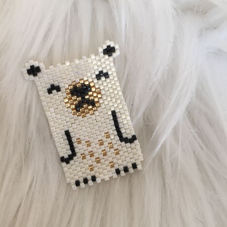 Polar bear , brick stitch avec perles Miyuki. By Sha