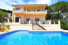 Belle villa de 12 personnes divisé dans 2 étages avec entrée séparée, avec vue sur la mer et la piscine privée.