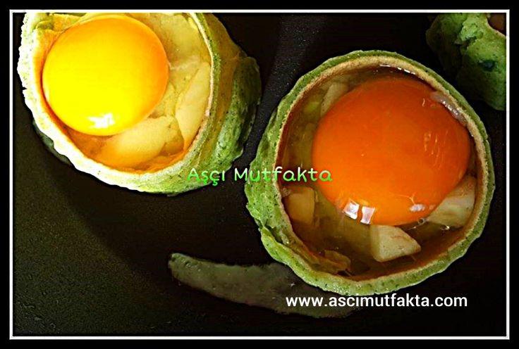 Aşçı Mutfakta Yumurtalı krep dolması
