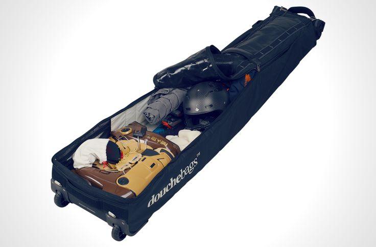 ロールトップで伸縮自由。スキー&スノーボード・バッグの既成概念を更新するDouchebag