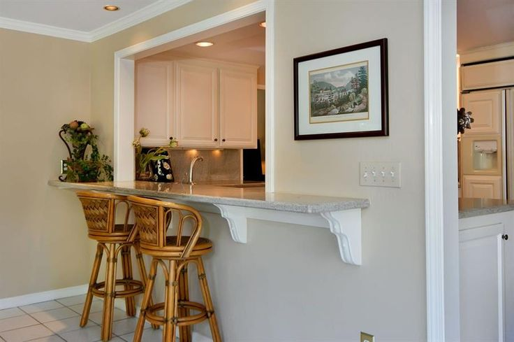 Internal Knock Through Between Kitchen And Dining Room: There Is A Pass Through From Kitchen To Sun Room With