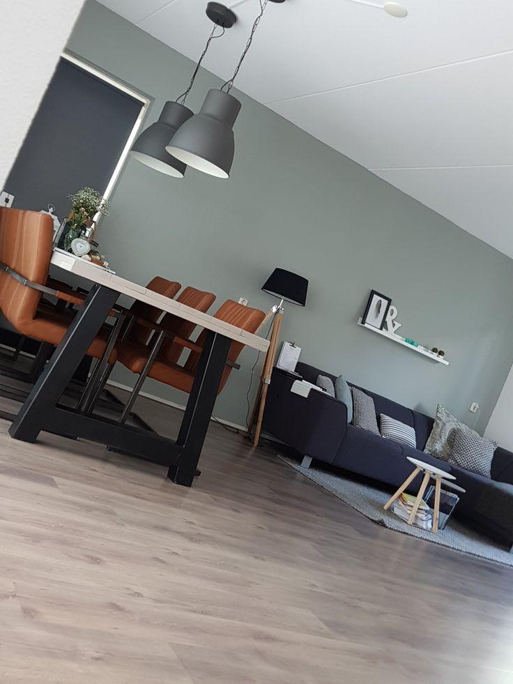 25 beste idee n over woonkamer bruin op pinterest bruine bank inrichting bruine bank - Tafel een italien kribbe ontwerp ...