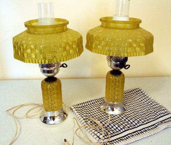 Par de lámparas de plástico plástico de huracán lámparas vintage amarillo limón