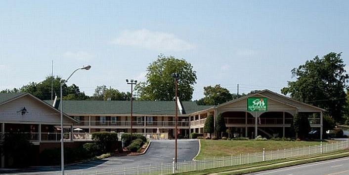 Guesthouse Inn Suites Gainesville Georgia