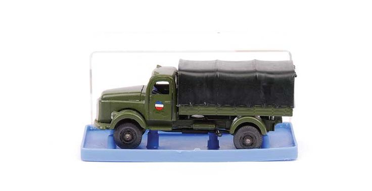 Vilmer Volvo Military Truck - green long bonneted cab, chassis and rear body, black plastic tilt and hubs