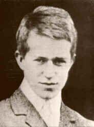 Lawrence as a university undergraduate c1910.