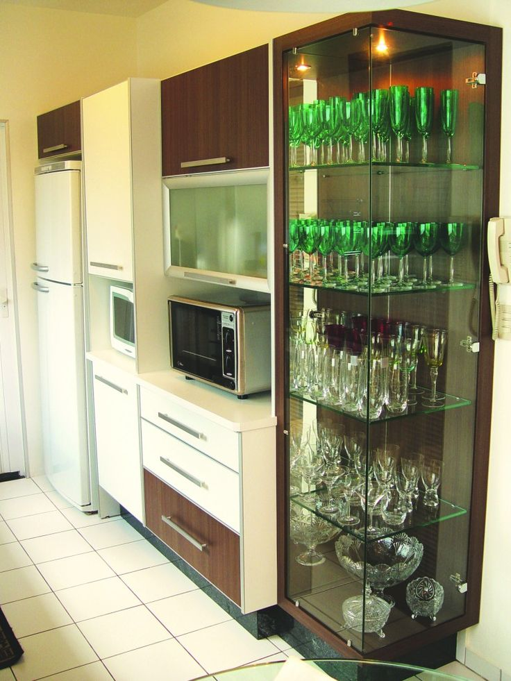 armários cozinha cristaleira