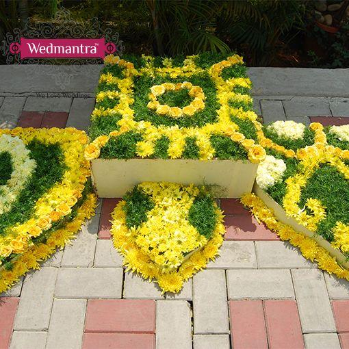 #Flowerdecor #mandap #traditional #weddingsinindia #indianweddings #wedmantra #weddingplanner