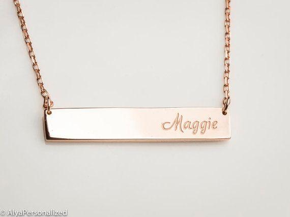 Rose Gold Name Plate Halskette  von AlyaPersonalized auf Etsy