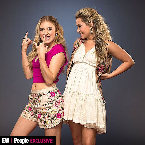 What Happens Inside a Country Photo Booth? This! | MADDIE AND TAE (MADDIE MARLOW AND TAY DYE) |