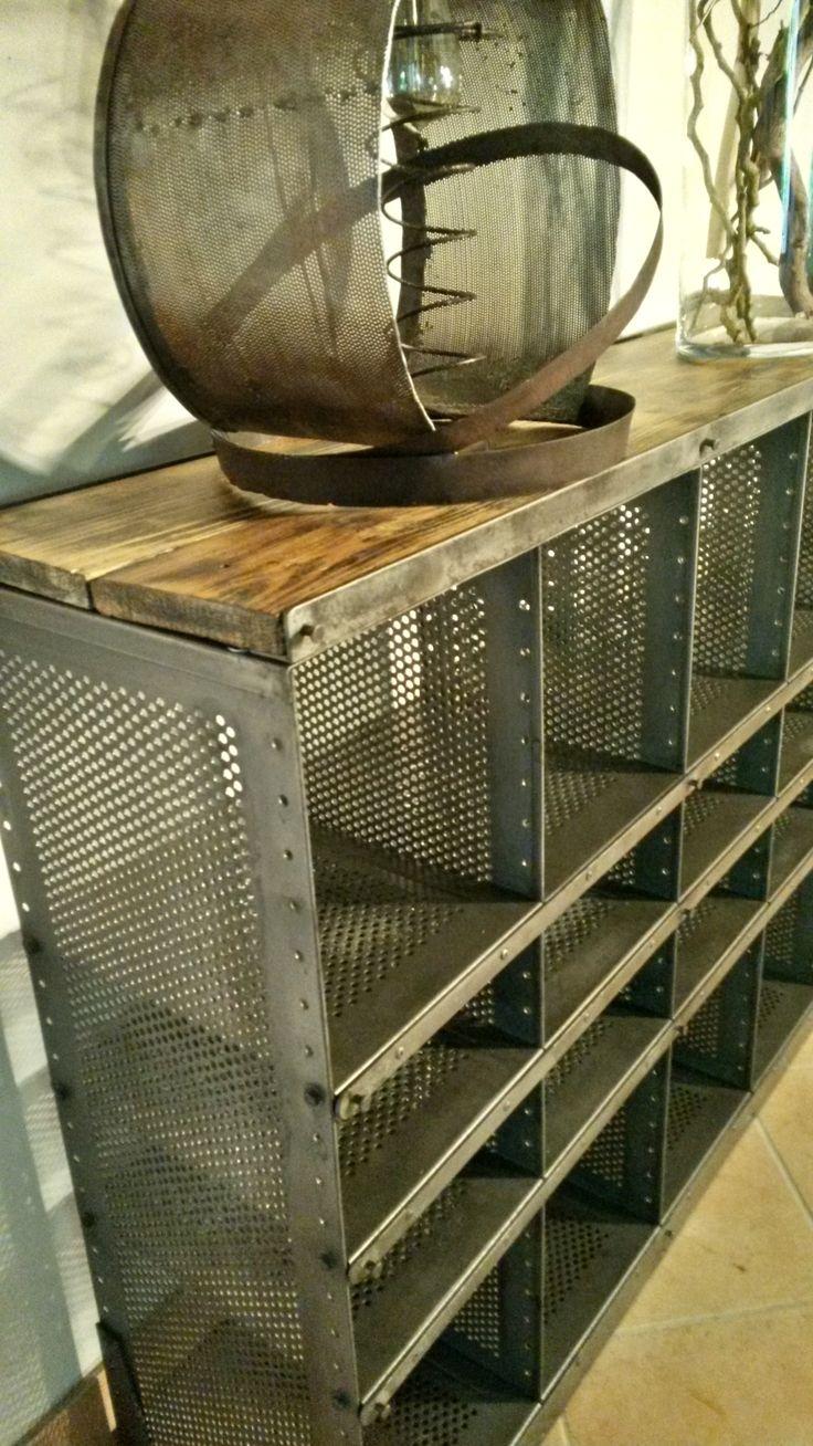 Les 17 meilleures id es de la cat gorie casiers m talliques sur pinterest c - Ancien casier metallique ...