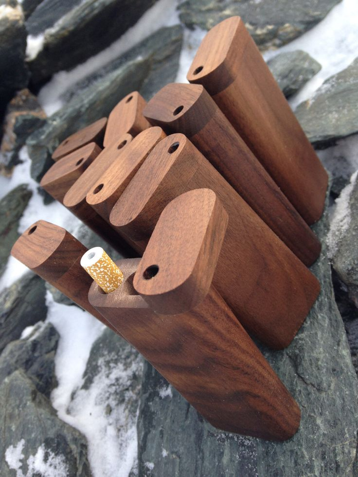 Futo Walnut Dugout One Hitter by FutoDugoutsPipes on Etsy https://www.etsy.com/ca/listing/462996285/futo-walnut-dugout-one-hitter