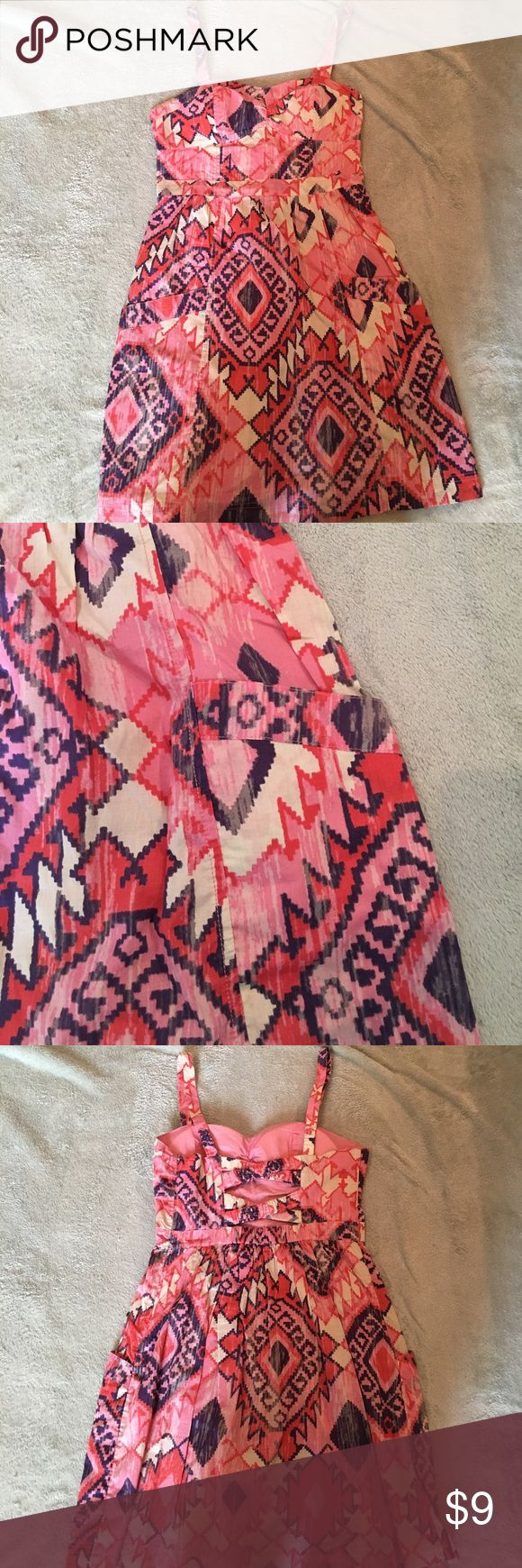 American eagle aztec print dress Fun print summer dress w pockets! Cute zig zag detail on back. Size 4. Great condition. American Eagle Outfitters Dresses Mini
