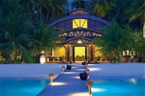 Valassaru Resort on Velavaru Island in The Maldives: Resorts Hotels, Interiors Design, Angsana Velavaru, Home Decor, Spas, Travel, Velavaru Resorts, Honeymoons Destinations, Velavaru Maldives