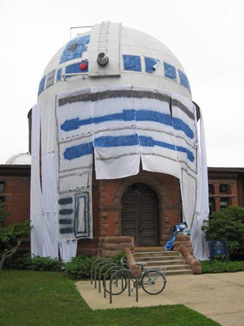 Carleton College in Northfield, Minnesota - Giant R2D2