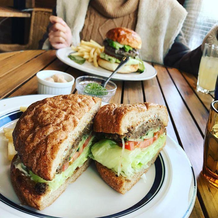 大きな口で思いっきり食べたい!東京の「極厚サンドイッチ」7選 - macaroni