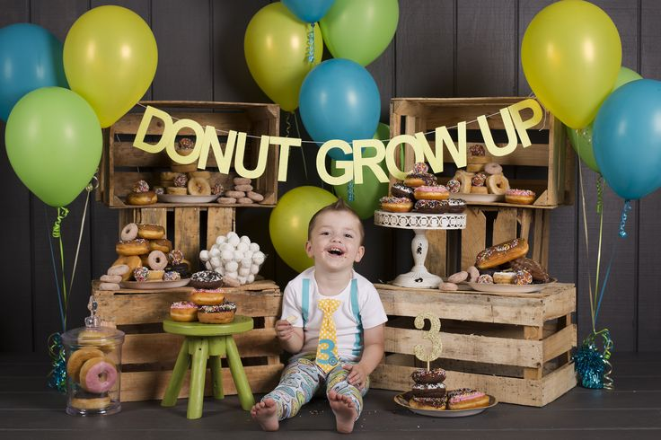 donut smash birthday pictures boy, outfit by cuddle sleep dream, photo by triple vision studio by amanda gates