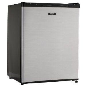 17 best ideas about dorm size refrigerator on pinterest mini fridge decor small mini fridge. Black Bedroom Furniture Sets. Home Design Ideas