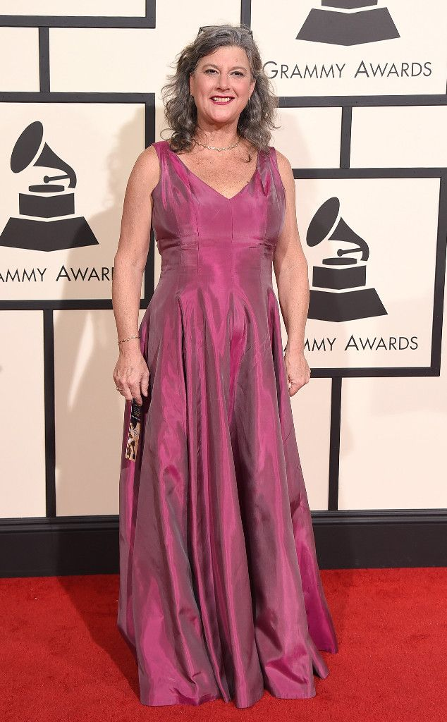 Susan Archie from Grammys 2016: Red Carpet Arrivals
