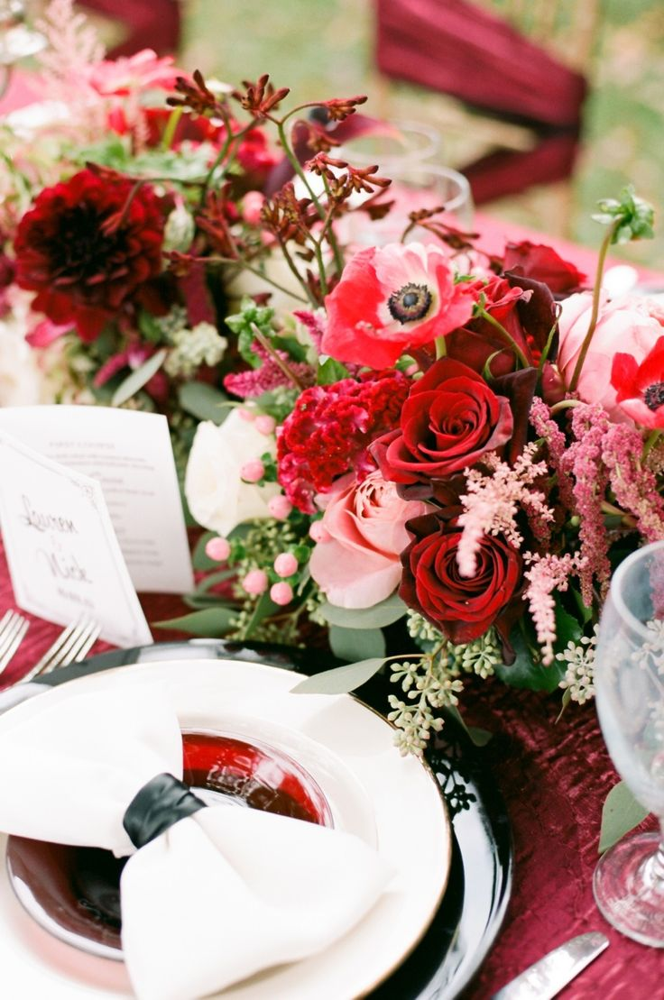 Red Place Setting Old Hollywood Wedding Ideas Decoration Inspiration