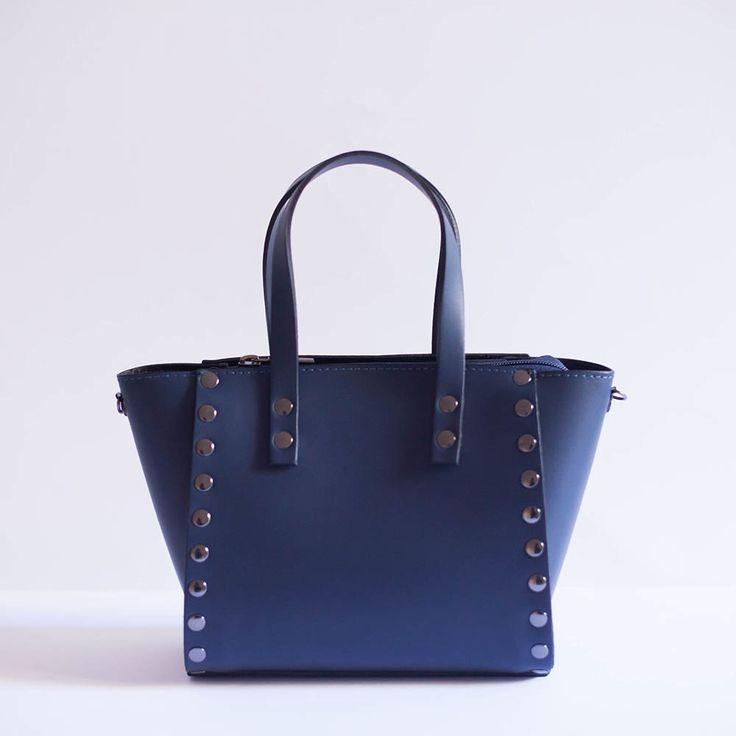 Image of NEW! Borsetta con borchie   Blu