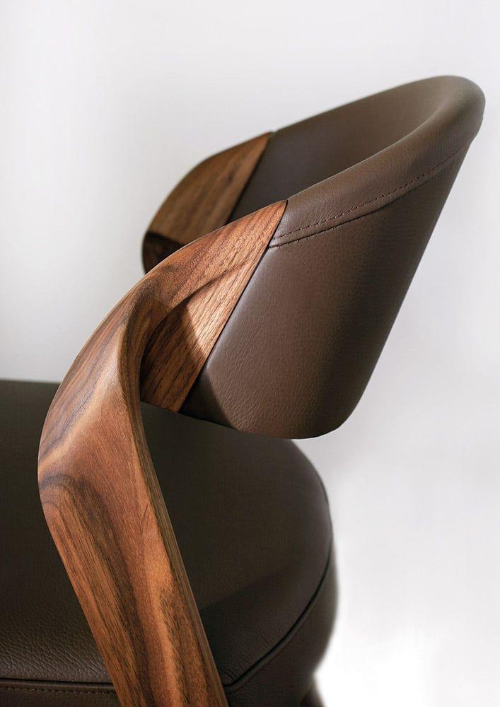 Chaise Noyer Design Avec Revetement En Cuir Chaise Design Chaise Bois Design Chaise Haute Bois