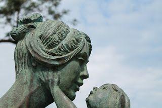 Pojok Cerita Keluarga: Katakan, Ibu Minta Maaf, Nak!