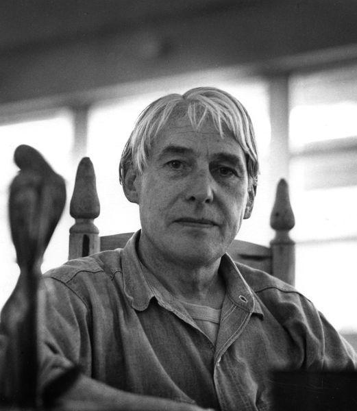 1966. Willem de Kooning in his studio in East-Hampton, New York, photo by Daniel Frasnay.