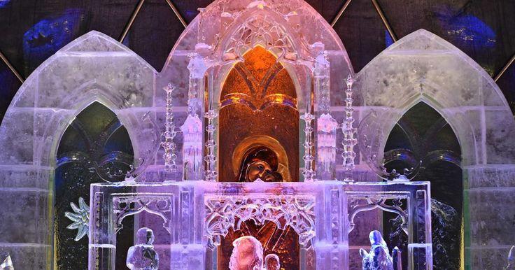 Tento rok sa sochári pri tvorbe ľadového dómu inšpirovali spišskou gotikou. Vytvorili sochy Majstra Pavla, sv. Jakuba či sv. Barbory.