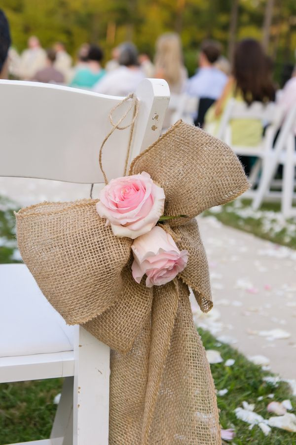 Burlap Bow and Pink Roses|Douglas Manor, Alabama Wedding| Photo by: www.siegelthurston.com