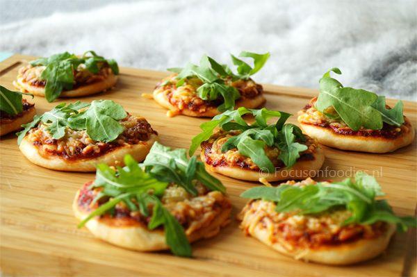 Mini spelt pizza