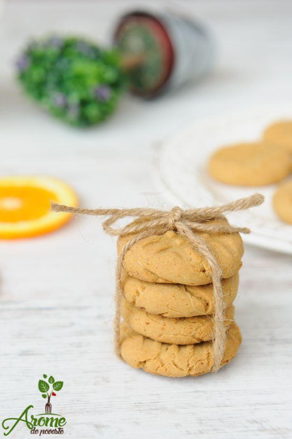 Aceste fursecuri fara gluten, cu portocale sunt perfecte pentru birou sau pentru scoala.