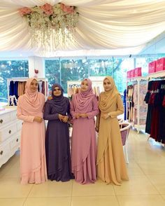 From left : Rosy peach, Lavender Milk, Orchid and Caramel ❤️ . #bfsteamkuantan mmg supermodel semua