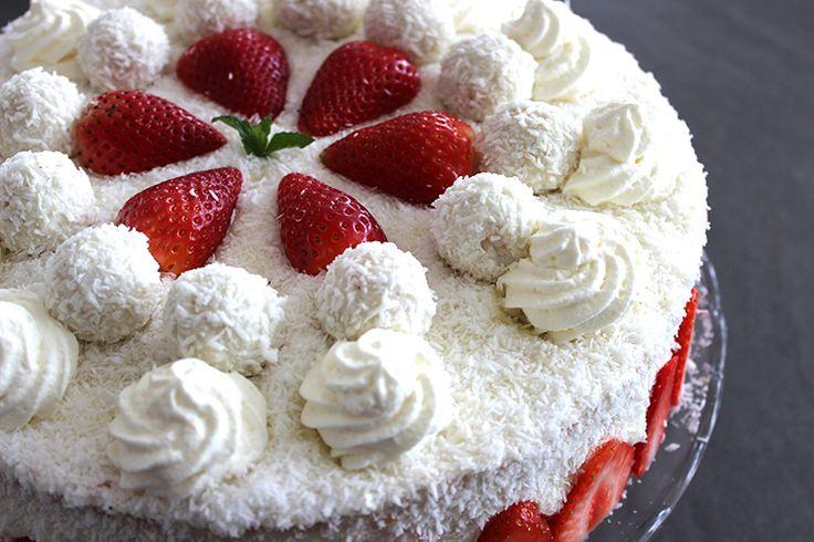 Erdbeer-Kokos-Torte