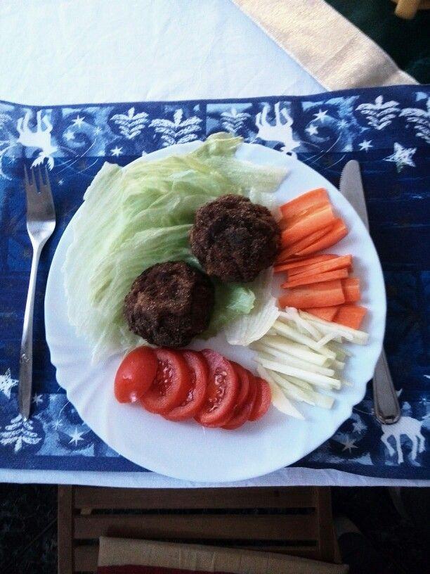 Kari ebéd :) A gombát zsemle morzsa helyett lenmag lisztbe panírozom :)