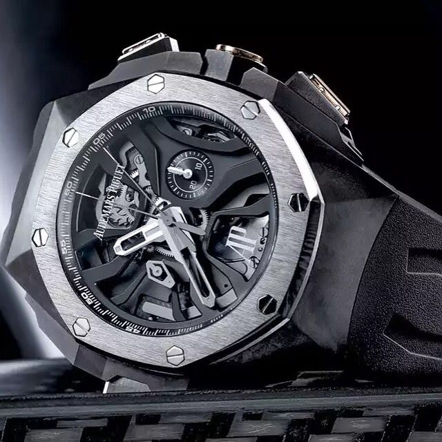 And here is the new release from Audemars Piguet and their Concept model Laptimer Michael Schumacher. Limited of only 221 pieces and a price of $229.500  @audemarspiguet @audemarspiguet_official    www.thetimeshoppers.com  #thetimeshoppers  #audemarspiguet #royaloak #concept #thrusday #rangerover #watchporn #wristporn #lovewatches #watchoftheday #watch #miamibeach #westpalmbeach #ftlauderdale #womw #wruw #limited #luxury #style #stylish #stars #⌚️ #blue #watchesofinstagram #submariner…