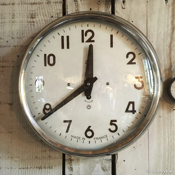 les 25 meilleures id es concernant horloges vintage sur. Black Bedroom Furniture Sets. Home Design Ideas