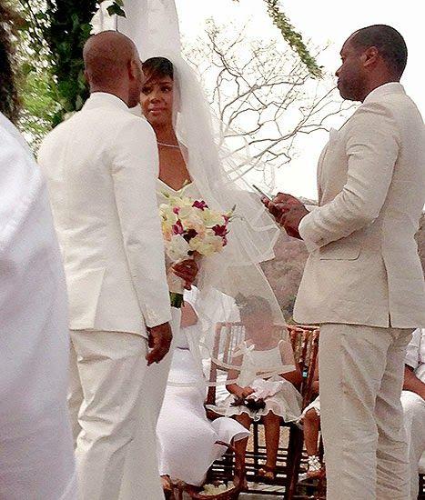 Headlines Nigeria: KELLY ROWLAND LOOKED STUNNING AT COSTA RICA WEDDIN...