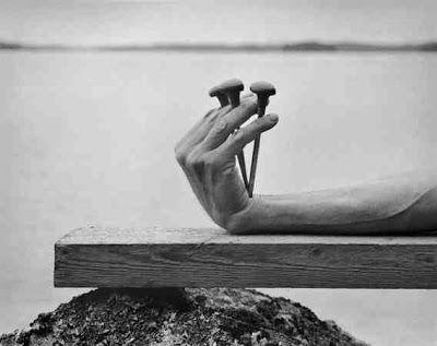 ArtHouse: Arno Rafael Minkkinen - Hands and Feet