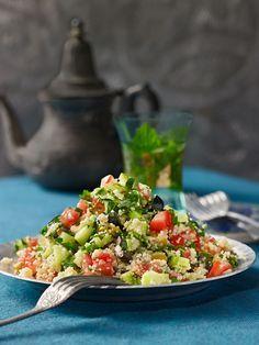 veganer Taboulé mit Tomaten, Gurken und frischer Minze