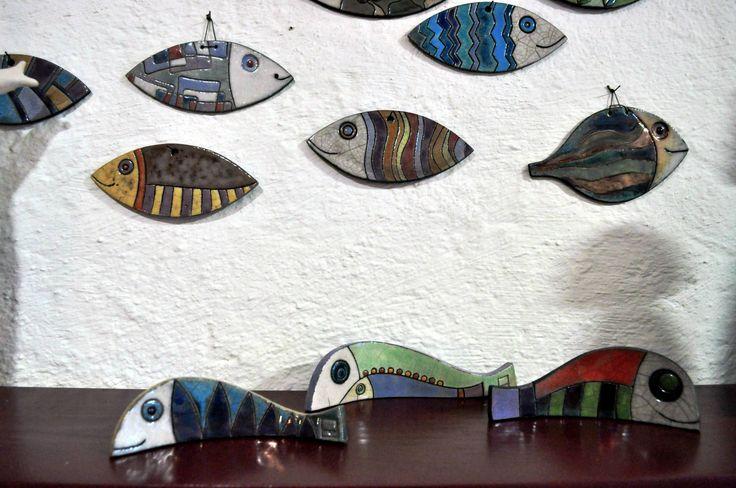 Maria Grazia Pulvirenti : pesci in raku ||| raku ceramic fisches